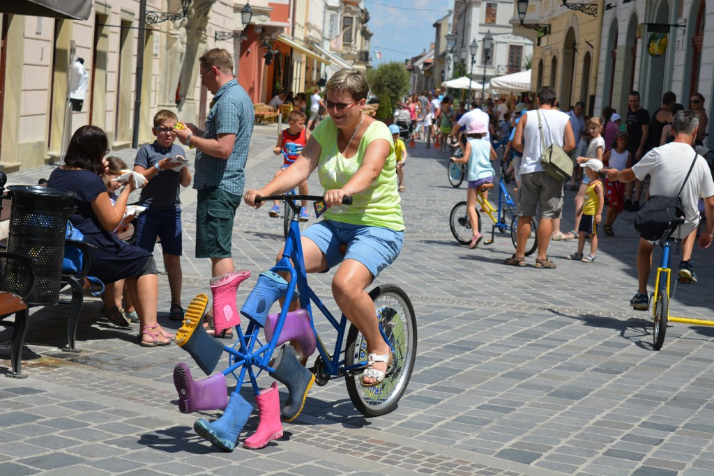 Győrkőc fesztivál mérföldes csizmás bringa